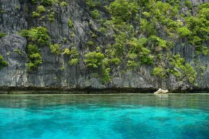 Turquoise water Island Hopping in El Nido