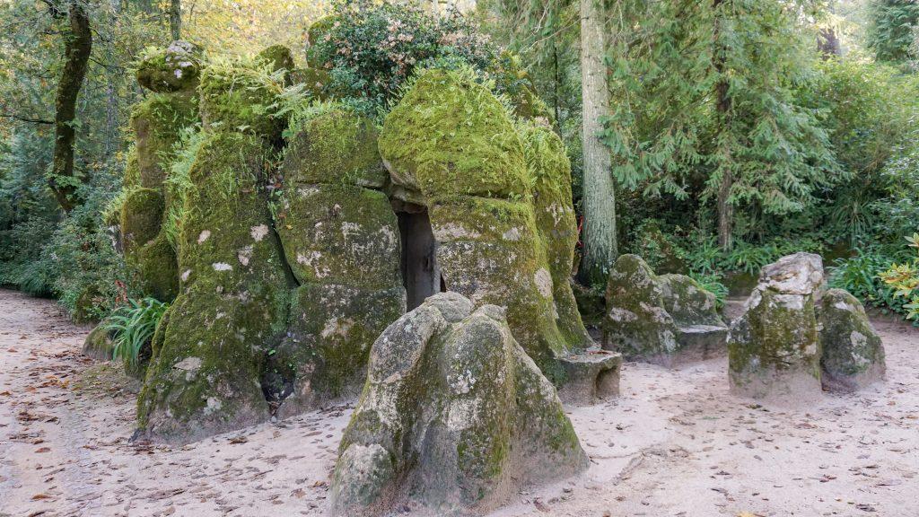 Hidden well in Quinta da Regaleira