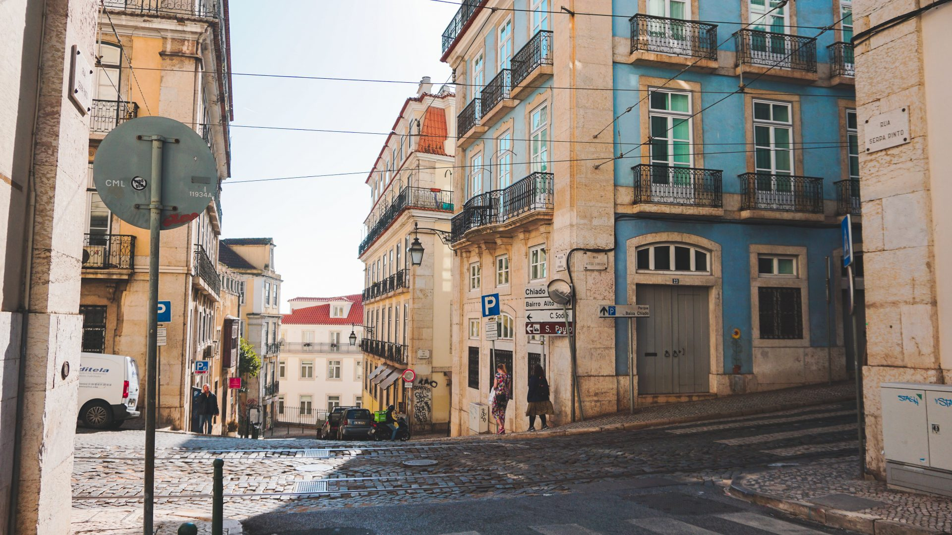 Travelling to Lisbon in November